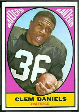 1967 Topps Clem Daniels football card