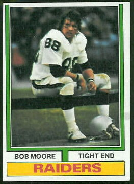 Bob Moore 1974 Topps football card