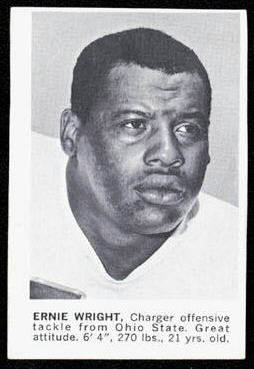 Ernie Wright 1961 Golden Tulip Chargers football card