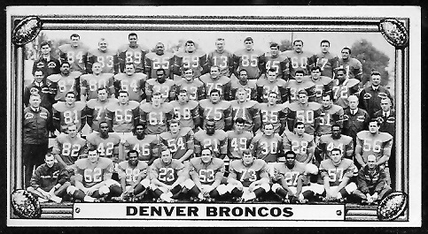 Denver Broncos Team 1968 Topps Test Team Photos football card