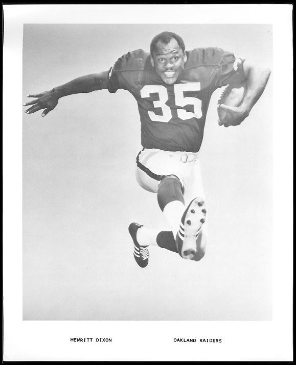 Hewritt Dixon 1969 Raiders Team Issue football card