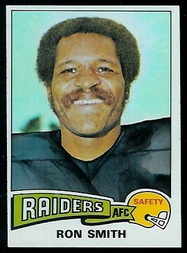 Ron Smith 1975 Topps football card