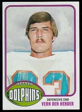 Vern Den Herder 1976 Topps football card
