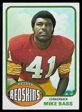 Mike Bass 1976 Topps football card