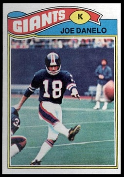 Joe Danelo 1977 Topps football card